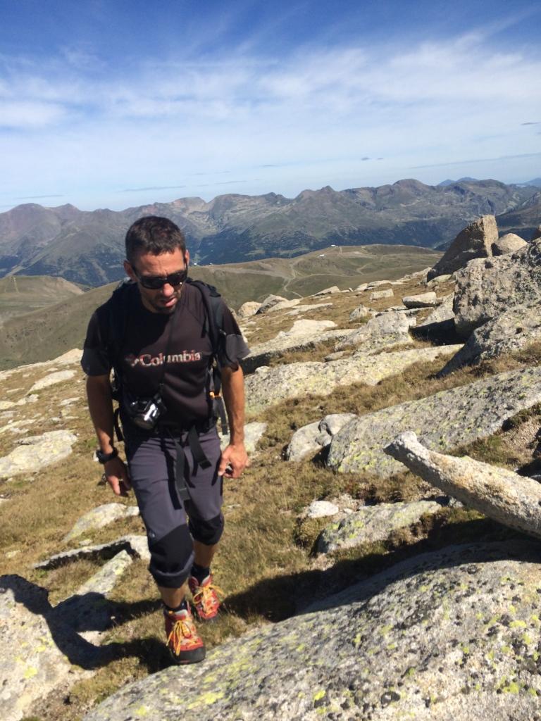 David Parra guia de montaña y colega de fatigas en el tramo final  de llegada al Griu