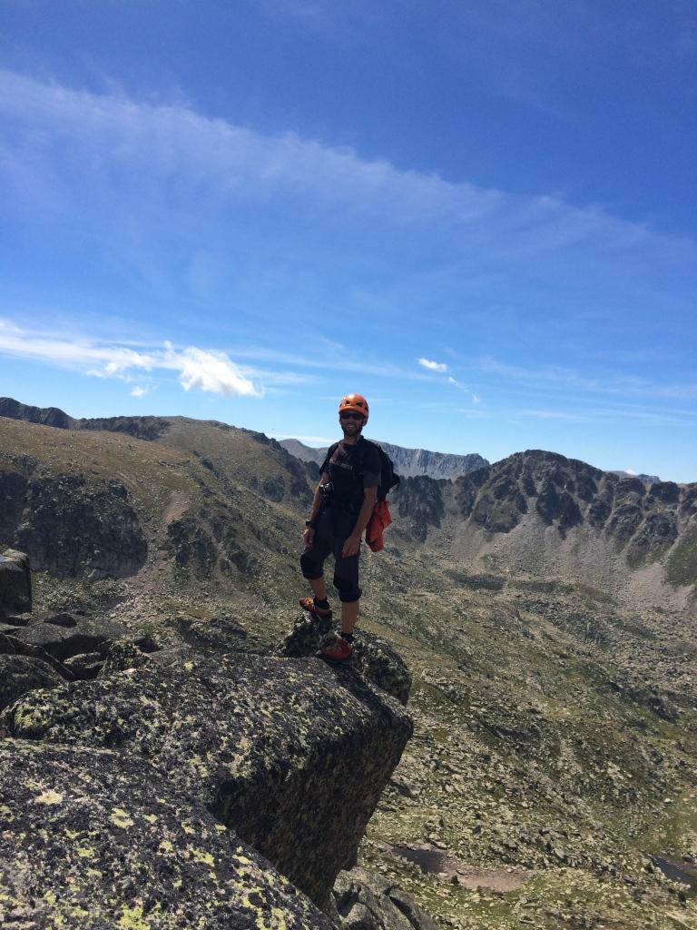 David Parra guia de montaña y compañero de fatigas en la cresta